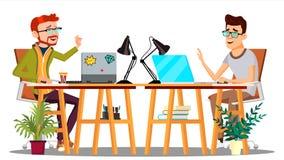 Twee Collega's die bij de Lijst met Computers zitten die bij Grappenvector lachen Geïsoleerdeo illustratie stock illustratie