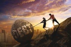 Twee commercieel team die woord van schuld trekken royalty-vrije stock afbeeldingen