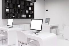 Twee computers met de lege schermen, bureaukant vector illustratie