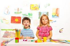 Twee creatieve jonge geitjes Royalty-vrije Stock Foto