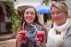 Twee Dames in Paradijs Stock Fotografie