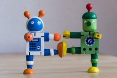 Twee dansende robots royalty-vrije stock afbeeldingen