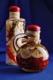 Twee decoratieve glasflessen Stock Fotografie