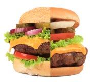 Twee delen van hamburger in. Stock Afbeelding