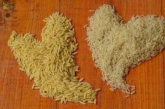 Twee die harten van rijst worden gemaakt Rijst, liefde, hart, reis, arroz, riso, riz, Ñ€Ð¸Ñ , liebe, amor, amore, avontuurtje, Ð royalty-vrije stock foto