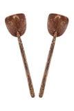 twee die kokosnotenshell gietlepel op wit wordt geïsoleerd Royalty-vrije Stock Fotografie