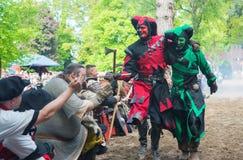 Twee dwazen op het middeleeuwse festival Stock Foto