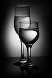 Twee eenvoudige glazen Royalty-vrije Stock Foto's