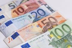 Twee euro nota's met bezinning Royalty-vrije Stock Foto's