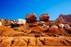 Twee evenwichtige rotsen, Tweelingrotsen, Hoofdertsader Nationaal Park, de V.S. royalty-vrije stock afbeelding