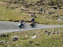 Twee fietsers Royalty-vrije Stock Afbeeldingen