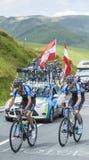 Twee Fietsers op Col. de Peyresourde - Ronde van Frankrijk 2014 Stock Fotografie