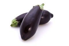 Twee geïsoleerdew aubergines Stock Foto's