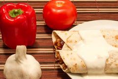 Twee gedeelte van burrito Stock Afbeelding
