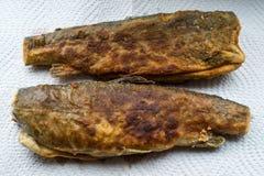 Twee gefrituurde vissen Stock Foto