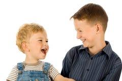 Twee gelukkige kinderen stock fotografie