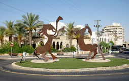 Twee gestileerde paarden bij cirkelkruispunten Stock Foto