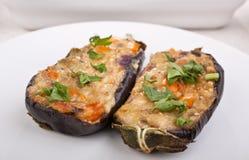 Twee gevulde aubergines Stock Foto's