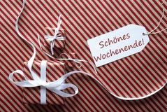 Twee Giften met Etiket, de Middelen Gelukkig Weekend van Schoenes Wochenende Royalty-vrije Stock Afbeeldingen