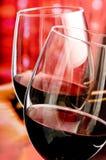 Twee glases van wijn Royalty-vrije Stock Afbeeldingen