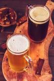 Twee glazen bier hierboven Stock Fotografie