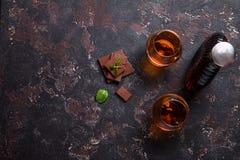 Twee glazen brandewijn of cognac royalty-vrije stock foto