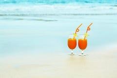 Twee glazen jus d'orange Stock Afbeelding