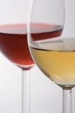 Twee glazen met wijn Stock Foto's