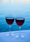 Twee glazen rode wijn Royalty-vrije Stock Foto's