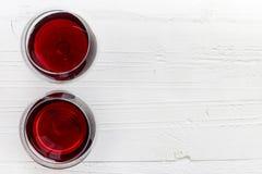 Twee glazen rode wijn Stock Foto's