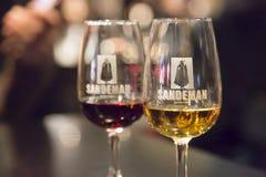 Twee glazen Sandeman-havenwijn Stock Afbeeldingen