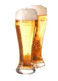 Twee glazen schuimend bier Stock Afbeeldingen