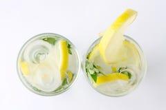Twee glazen van mojitococktail Royalty-vrije Stock Afbeelding