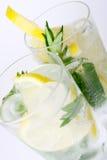 Twee glazen van mojitococktail Royalty-vrije Stock Fotografie