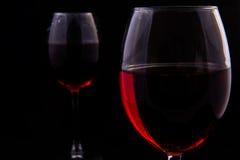 Twee glazen van rode wijnstok royalty-vrije stock foto