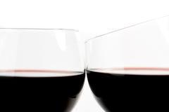 Twee glazen wijn maken toejuicht Royalty-vrije Stock Foto's