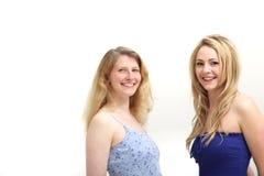 Twee glimlachende vrouwen Royalty-vrije Stock Foto's