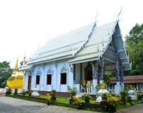 Twee gouden pagoden in Phra die de tempel van Doi Tungboom Royalty-vrije Stock Foto