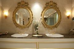 Twee gouden spiegels Stock Fotografie