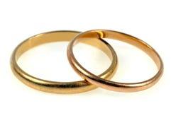 Twee gouden trouwringen royalty-vrije illustratie
