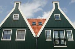 Twee groene huizen Royalty-vrije Stock Foto's