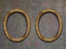 Twee guilded frames op oud behang Royalty-vrije Stock Afbeelding