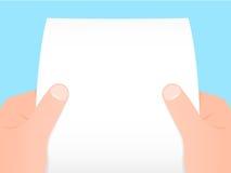 Twee handen die een blad van document houden Stock Foto's