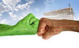 Twee handen tegen elkaar. Ecologie Royalty-vrije Stock Fotografie