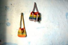 Twee hangende zakken Royalty-vrije Stock Foto's