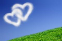 Twee hart-vormige wolken Royalty-vrije Stock Foto's