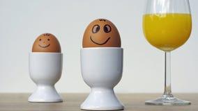 Twee het glimlachen grappige eieren stock fotografie