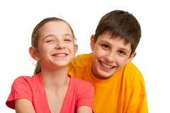 Twee het lachen jonge geitjes Royalty-vrije Stock Fotografie