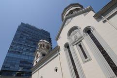 Twee het verschillende architecturale stijlen mengen Stock Fotografie