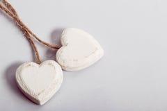 Twee houten harten Stock Foto